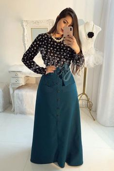 Muslim Fashion, Modest Fashion, Hijab Fashion, Fashion Dresses, Modest Outfits, Skirt Outfits, Dress Skirt, Casual Dresses, Trend Fashion
