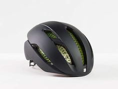 Bontrager released a new road bike helmet called Bontrager XXX WaveCel. The helmet has a trendy look and of course, got a sporty look. Mountain Bike Helmets, Mountain Bicycle, Mountain Biking, Buy Bike, Bike Run, Mtb, Specialized Mountain Bikes, Trek Bikes, Bike Brands