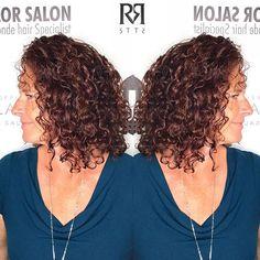 Ouidad haircut by @pennymagdziak using @ouidad 📞 Call to book a free consultation. 813.801.9700  #olaplex #balayage #modernsalon #bestoftheday  #ouidad  #hairdye #hair #hairfeed #hairgasm #haircolor #hairoftheday #hairsalon #hairofinstagram #igivegoodhair #haircare#pinteresthair #hairpainting#ombré #ontrend #hairgoals #polishgirl #americansalon  #blonde #blondehair #selfie #allaboutdahair #hotonbeauty #bangstyle #buzzcutfeed