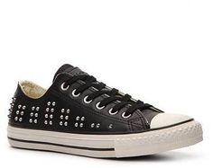#045 I gotz! Leather black studded low tops 542417C