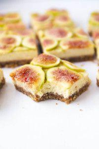 Honey Walnut Fig Cheesecake Bars: velvety honey cheesecake with a graham cracker walnut crust and a mosaic of fresh figs.