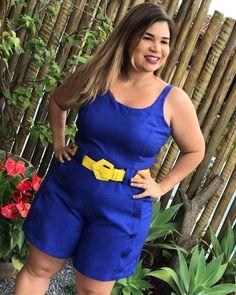 @loja_coisaetal Acabamos de receber a reposição desse macaquinho de linho lindo! No azul e no vermelho!😍😍😍 . @carolcyrne bem menininha para @loja_coisaetal… Casual Frocks, Plus Size Looks, Sexy Shorts, Office Outfits, Suits For Women, Plus Size Fashion, Summer Outfits, Fashion Dresses, Woman Clothing