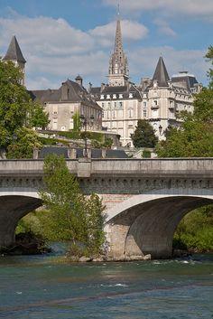 Pau, Pyrénées-Atlantiques, Aquitaine, France. France Europe, France Travel, Travel Europe, Cool Places To Visit, Places To Travel, Limousin, Bordeaux, Ville France, French Countryside