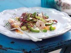 Salade au saumon fumé, crevettes et avocats avec sa vinaigrette au citron vert