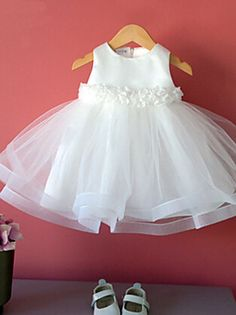 Ball Gown Tea Length Flower Girl Dress - Cotton Polyester Tulle Sleeveless Jewel Neck with Bow(s) Flower by LAN TING Express 2018 - Baby Girl Frocks, Baby Girl Party Dresses, Frocks For Girls, Kids Frocks, Little Dresses, Little Girl Dresses, Girls Dresses, Pageant Dresses, Flower Girls
