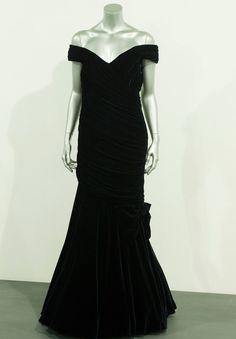 O vestido que Lady Di usou para dançar com John Travolta (Foto: Getty Images)
