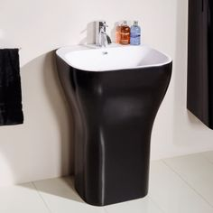 The Eclipse Luxury Freestanding Basin is manufactured using a stable quartz stone resin composite giving a superb single piece look. All of our resin products are hand made to give that perfect finish. This designed basin has a silky smooth easy clean sur