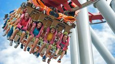 Score Discounts on Florida Theme Park Vacations- Suzanne Rowan Kelleher - Beste Frisuren Leben Vacation Deals, Vacation Resorts, Vacation Destinations, Vacations, Lake Buena Vista Resort, Florida Theme Parks, Family Getaways, Universal Orlando, Central Florida