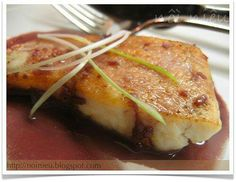 Fried fish with red wine sauce