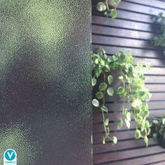 Você conhece o vidro pontilhado? É um vidro fantasia, com efeito pontilhado em relevo, que confere personalidade, estilo, privacidade e beleza aos ambientes.   ⠀⠀⠀⠀⠀⠀⠀⠀⠀  Dependendo da aplicação, ele pode ser temperado, garantindo também mais segurança. Fica incrível quando utilizado em portas, divisórias, janelas e muito mais!   ⠀⠀⠀⠀⠀⠀⠀⠀⠀  ⠀⠀⠀⠀⠀⠀⠀⠀⠀  #viminas #vidros #vidropontilhado #projeto #arquitetura #decoração Home, Room Divider Doors, Personality, Windows, Environment, House, Ad Home, Homes