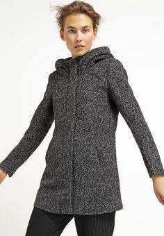 Abrigo clásico de paño color gris