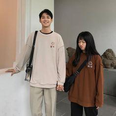 Cute Couples Goals, Couple Goals, Couple Style, Boyish Outfits, Korean Couple, Ulzzang Couple, Fashion Couple, Couple Posing, Korean Outfits