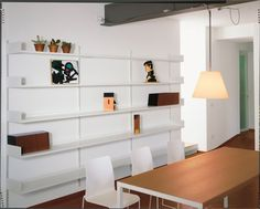 Libreria a muro, modulare, in metallo laccato, per soggiorno Elle System Living