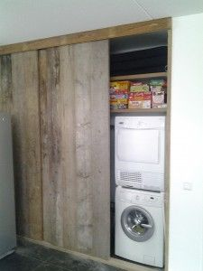 Sliding barn doors to conceal laundry area where there is insufficient space for separate utility Laundry Mud Room, Home, Wood Design, Home Diy, Dream Bathrooms, Laundry Room Design, Home Deco, Interior Design Kitchen Contemporary, Home Decor