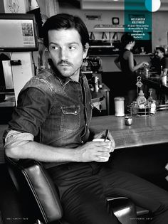 i am down for diego luna to play inigo montoya if there's ever a remake of the princess bride<<<somebody photoshop this please Diego Luna, Mans World, Attractive Men, Good Looking Men, Man Crush, Celebrity Crush, Gorgeous Men, Pretty People, Actors & Actresses