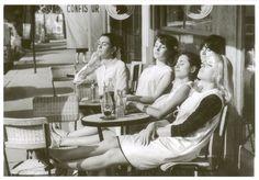 Robert Doisneau - Les coiffeuses au soleil, Paris, 1966