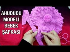 Ahududu Modeli Bebek Şapkası The Effective Pictures We Offer You About Crochet hair styles A quality picture can tell you many things. Baby Hats Knitting, Crochet Baby Hats, Knitting Socks, Knitted Hats, Crochet Designs, Knitting Designs, Crochet Mittens, Knit Crochet, Baby Patterns