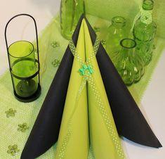 Hos MyStone er det nemt at sammensætte det perfekte festbord til den store dag. Stort udvalg af servietter og lys i alle regnbuens farver. Napkins, Tableware, Lily, Dinnerware, Towels, Dinner Napkins, Tablewares, Dishes, Place Settings