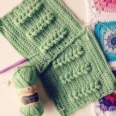 Bekijk deze Instagram-foto van @aspoonfulofyarn • 61 vind-ik-leuks Crochet Quilt, Crochet Stitches, Last Dance, Squares, Knitted Hats, Quilts, Knitting, Instagram Posts, Crochet Bedspread
