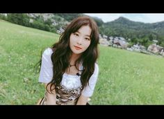 Kang Seulgi my queen😘 Kpop Girl Groups, Korean Girl Groups, Kpop Girls, Irene, Kang Seulgi, Red Velvet Seulgi, Kim Yerim, South Korean Girls, Role Models