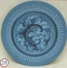 Telemark plate by Lois Mueller. Inside More Telemark. http://www.hofcraft.com/bkml306-lois-mueller.html
