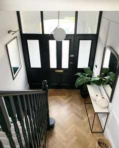 It was so odd that the previous owner had put a mock Tudor staircase slap bang in the middle of this lovely wide hallway! Complete with… Tiled Hallway, Hallway Flooring, Open Plan Kitchen Living Room, Home Decor Kitchen, Victorian Terrace Hallway, Edwardian Hallway, Terrace House Exterior, Entrance Hall Decor, Narrow Hallway Decorating
