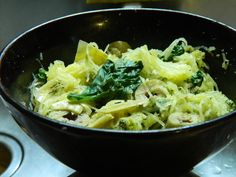 • 1C cooked spaghetti squash • 1/2C spinach, steamed • 4 olives, sliced • 2-3 artichoke hearts, sliced • 2T pesto Mix it all up in a bowl and enjoy!