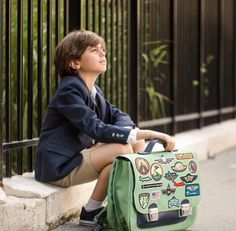 First day of school : nice friends, nice teacher. and nice schoolbag www. First Day Of School, School Bags, Boys, Nice, Friends, Proud Of You, Bags, School Today, First Day Of Class