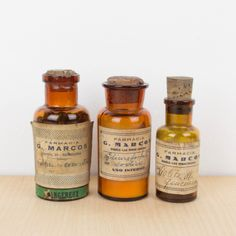 Botellas antiguas de la Farmacia Marcos | Antic&Chic Chic Shop, The Masterpiece, Whiskey Bottle, Home Accessories, Art Sketches, Bottles, Glass Bottles, Antique Bottles, Plugs