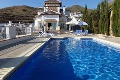 Magnifique villa avec de superbes vues sur la mer, idéal pour profiter de ses vacances.