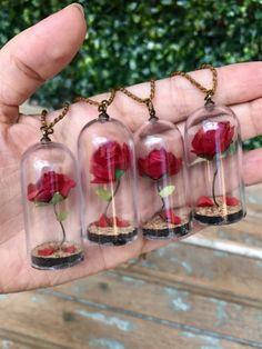 Colar Rosa Encantada - Bela e a Fera