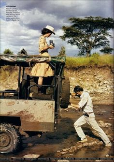 """I love this June 2007 Vogue photoshoot with Keira Knightley! I am a fan of the """"safari"""" look to began with (and of Keria Knightley), but the fashion, styling, scenery, and prop styling is impeccable as well. Safari Chic, Mode Safari, Keira Knightley, Damir Doma, Safari Adventure, Adventure Travel, Safari Photo, Viviane Sassen, Out Of Africa"""