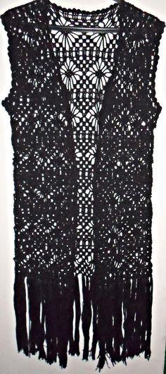 Kimono de Crochê cor é de preferencia do cliente :) <br>Todos os produtos são feitos sob encomendas,o produto somente será enviado mediante confirmação de pagamento e por favor fazer deposito identificado.
