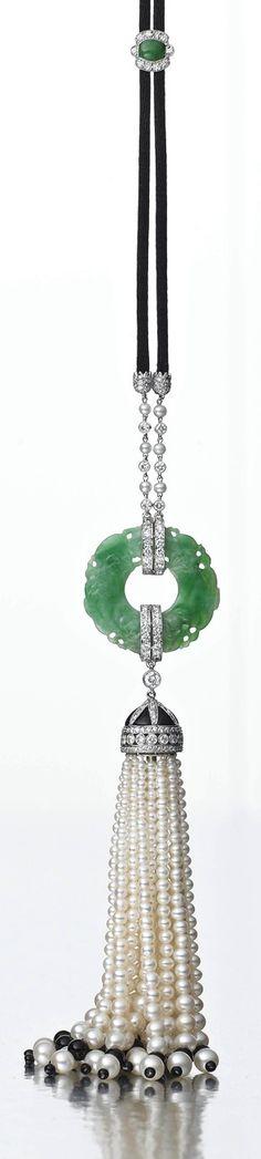 Jade and pearl tassel pendant with diamonds