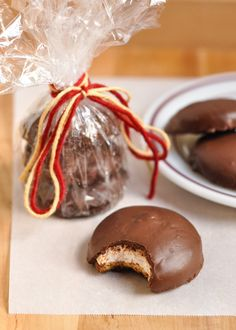 Mallomars. The name alone is almost enough to trigger a blissful sugar coma. This confection of graham cracker and marshmallow, dipped in chocolate, is a seasonal item from Nabisco and only available in the colder chocolate-friendly winter months. Which means that those of us who need a mid-year fix are forced to look elsewhere for sugary satisfaction — like our kitchens.