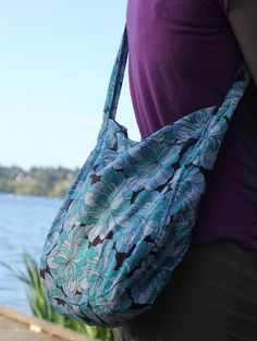 New cross-body sling bag sewing pattern. You can make your own easy DIY!