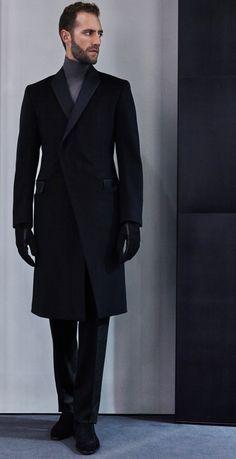 http://www.vogue.com/fashion-shows/fall-2016-menswear/kilgour/slideshow/collection