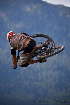 Salto de downhill #Bike