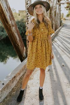 Women Skirt Summer Dresses Cute Prom Dresses Casual Outfits With Jeans Chambray Skirt Petite Casual Summer Dresses Floral Dress Outfits, Casual Dress Outfits, Casual Summer Dresses, Girly Outfits, Mode Outfits, Yellow Floral Dress, Woman Outfits, Club Outfits, Winter Dresses