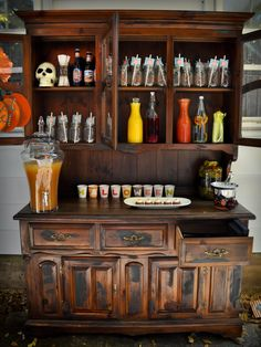 I need a hutch like this. I had one. Once upon a time.
