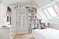 bedroom / books