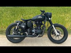 Discover recipes, home ideas, style inspiration and other ideas to try. Motos Royal Enfield, Royal Enfield Classic 350cc, Enfield Bike, Enfield Motorcycle, Motorcycle Helmets, Motorcycle Headlight, Motorcycle Tank, Motorcycle Exhaust, Motorcycle Seats