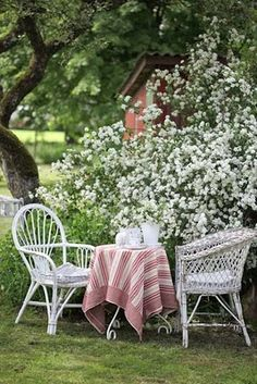 Would make a cute garden shed Garden seating Daisy Lovely Blue Flowers Outdoor Dining, Outdoor Spaces, Garden Paths, Garden Landscaping, Dream Garden, Home And Garden, Garden Seating, Garden Chairs, My Secret Garden