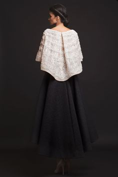Atelier Krikor Jabotian takes pride in its refined craftsmanship and use of opulent fabrics to create a timeless message of heritage, style, tradition and innovation. Sequin Evening Dresses, Sexy Evening Dress, Evening Dresses Plus Size, Evening Gowns, Trendy Dresses, Sexy Dresses, Beautiful Dresses, Nice Dresses, Formal Dresses