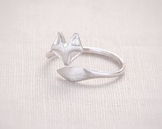 http://gemdivine.com/2017-new-fashion-cute-fire-fox-ring-adjustable-rings-animal-rings-cool-rings-for-women-christmas-gift-r017/