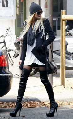 beanie + long straight hair + long infinity scarf + long white blouse + knee highs