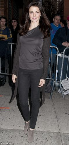 "Rachel Weisz always looks chic and ""real"" and she's marred to Daniel Craig! Biddy Craft"