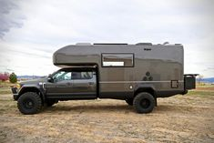Ford Earth Roamer XV-LTS Camper