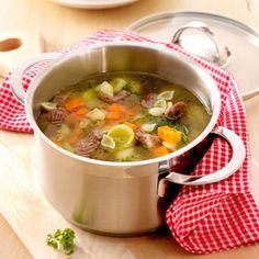 Fijne rundvleessoep met maar 5 ProPoints waarden of voor een telvrije dag! #Telvrij #WWrecept Soup Recipes, Diet Recipes, Healthy Recipes, Weith Watchers, Go For It, Sous Vide, Pasta, Weight Watchers Meals, Diy Food