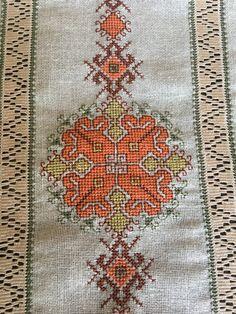 Bargello, Embroidery Patterns, Bohemian Rug, Cross Stitch, Food, Tricot, Driveways, Hardanger, Punto De Cruz